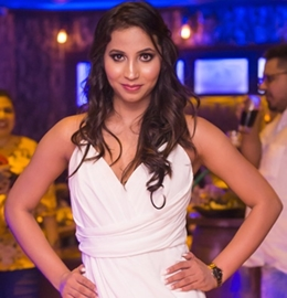 Bollywood's New Crooning Queen R  Naaz Releases A New Song Yaad Aayega