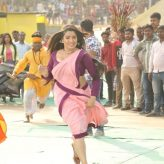 Actress Amrapali Was When Surrounded By Goons  Khesarilal Beat Them Up